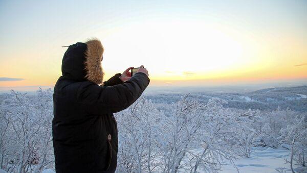 Čekanje Prve zore nakon polarne noći u Murmansku - Sputnik Srbija