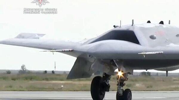 Najnovija jurišna bespilotna letelica Ohotnik - Sputnik Srbija