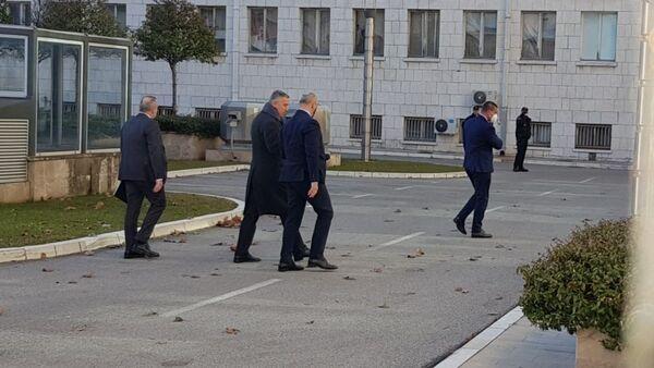 Milo Đukanović dolazi na sastanak kod Zdravka Krivokapića - Sputnik Srbija