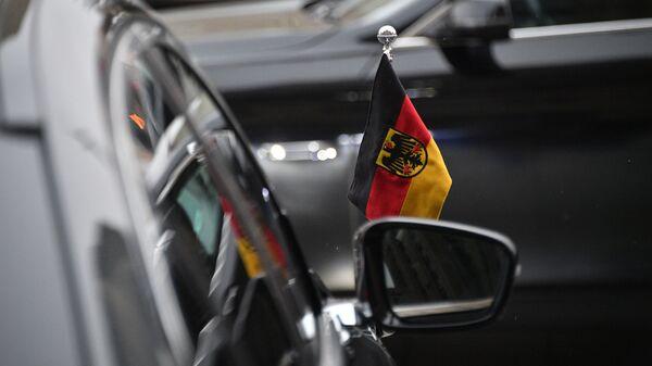 Automobil nemačke ambasade ispred zgrade Ministarstva spoljnih poslova Rusije u Moskvi - Sputnik Srbija
