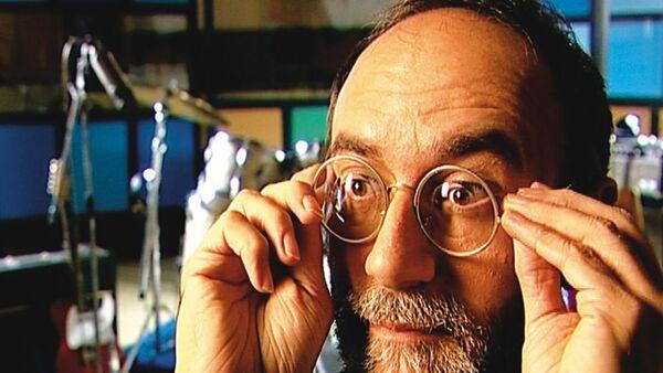 """Rastko Ćirić u dugometražnom dokumentarnom filmu Dinka Tucakovića """"The Rubber Soul Project """"(2004) - Sputnik Srbija"""