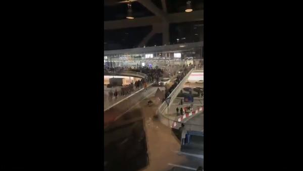 Евакуација путника на аеродрому у Франкфурту - Sputnik Србија
