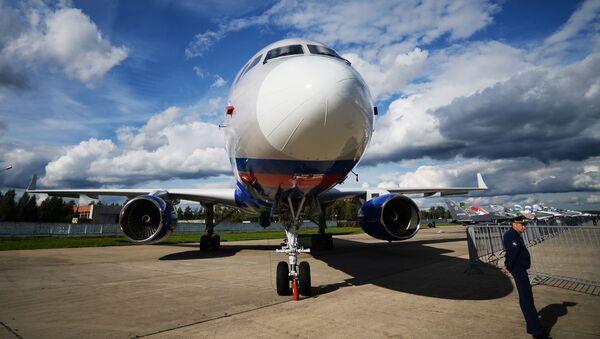 Авион Ту-214ОН - Sputnik Србија