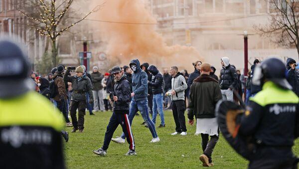 Протести у Холандији - Sputnik Србија