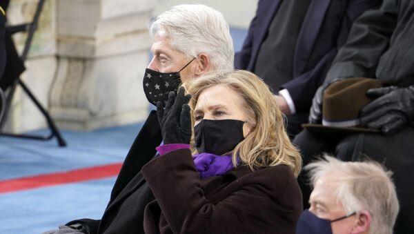 Бил и Хилари Клинтон на инаугурацији Џоа Бајдена - Sputnik Србија