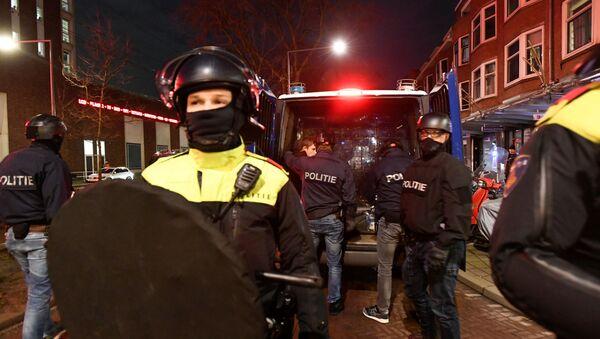 Специјалци за сузбијање нереда у Ротердаму - Sputnik Србија