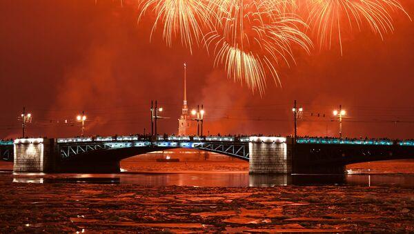 Vatromet povodom obeležavanja 77. godišnjice probijanja blokade Lenjingrada u Sankt Peterburgu - Sputnik Srbija