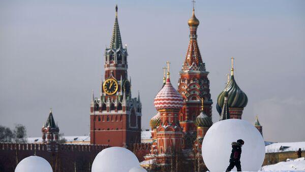 Поглед на Кремљ и Храм Василија Блаженог у Москви - Sputnik Србија