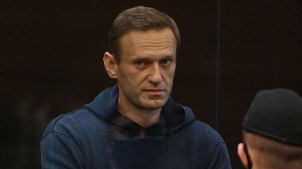 Ruski opozicionar Aleksej Navaljni tokom suđenja u Moskvi - Sputnik Srbija