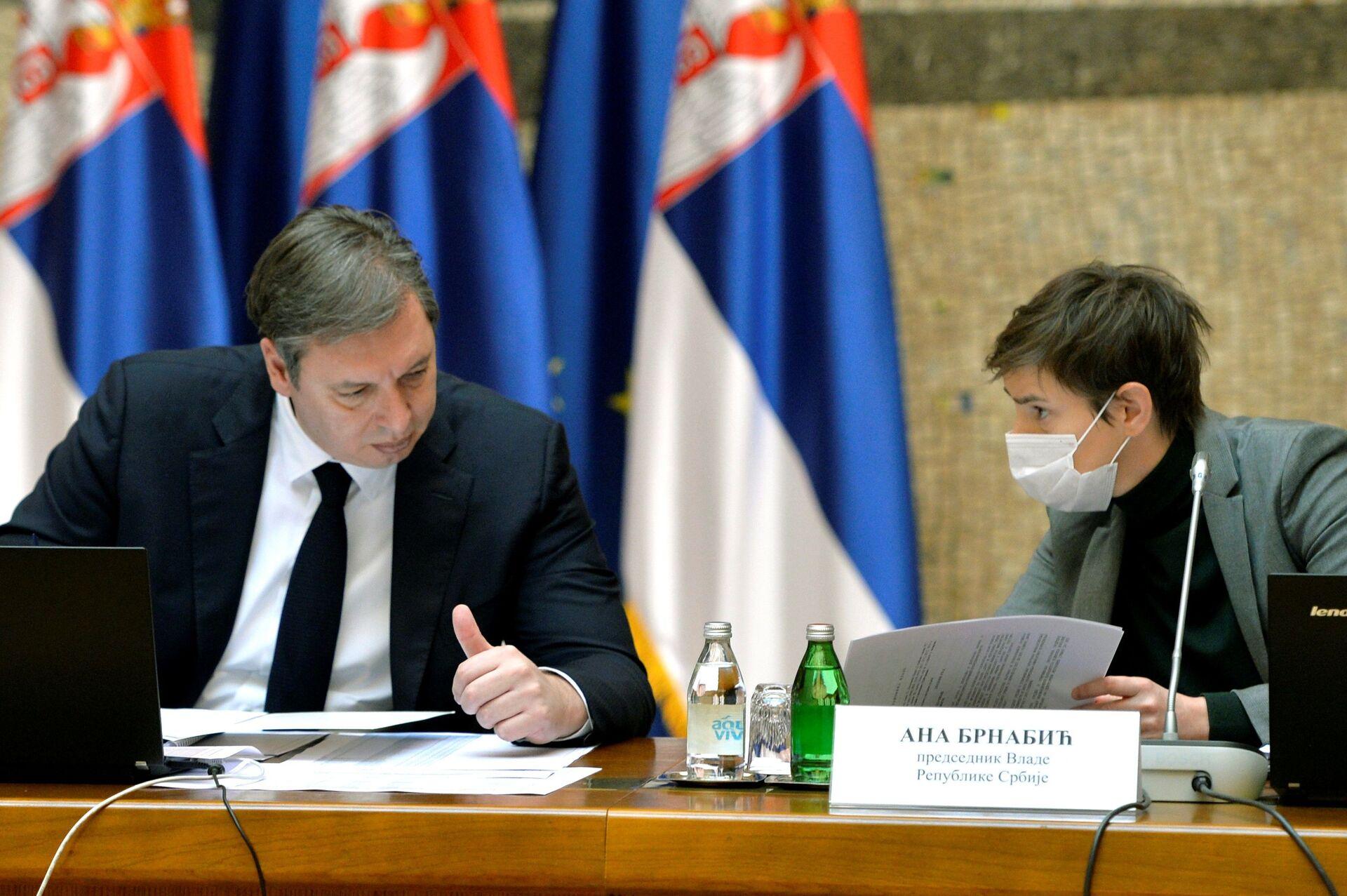 Vučić prekorio ministre: Ne znam kako ste mislili da neću čuti za ono što radite...  - Sputnik Srbija, 1920, 04.02.2021