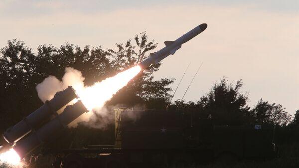 Lansiranje protivbrodske rakete sa obalskog raketnog sistema Bal tokom vojnih vežbi - Sputnik Srbija