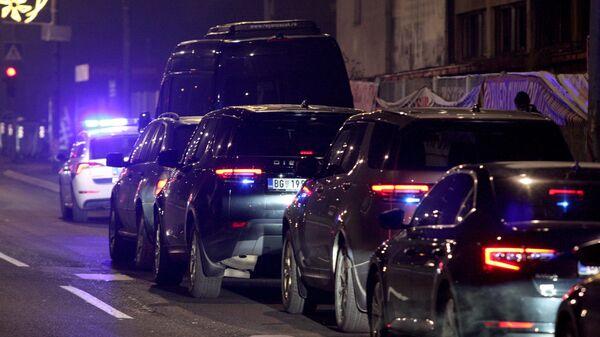 Колона возила довози Вељка Беливука и друге ухапшене у Тужилаштво на саслушање - Sputnik Србија