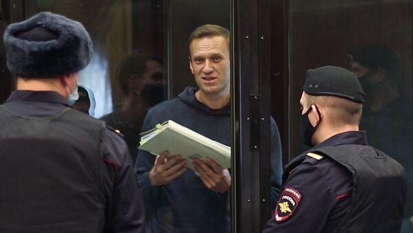 Ruski opozicionar Aleksej Navaljni tokom suđenja u Moskovskom gradskom sudu - Sputnik Srbija