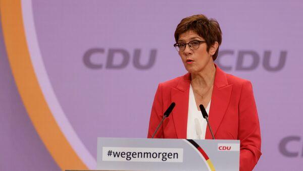 Лидер немачке Хришћанско-демократске уније и министар одбране Немачке Анегрет Крам-Каренбауер - Sputnik Србија