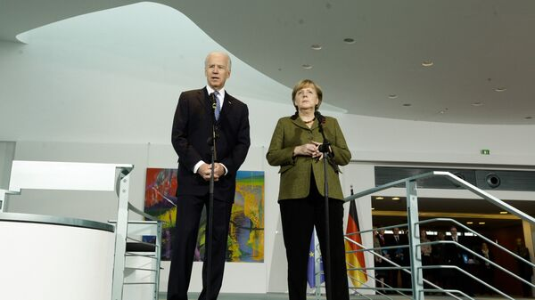 Џо Бајден и Ангела Меркел - Sputnik Србија