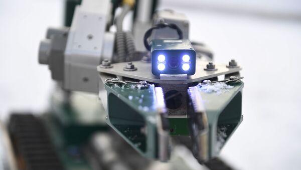 Роботизовани комплекс МРК-15 инжењерије - Sputnik Србија
