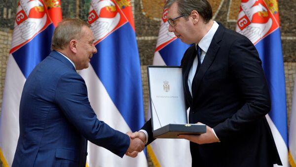 Odlikovanje povodom Dana državnosti uručeno potpredsedniku ruske Vlade Juriju Borisovu - Sputnik Srbija