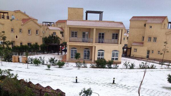 Снег у египатском граду Мадинатију, 40км источно од Каира - Sputnik Србија