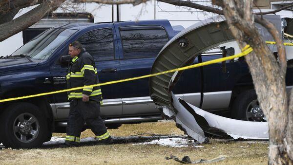 Delovi aviona padali sa neba u Denveru - Sputnik Srbija
