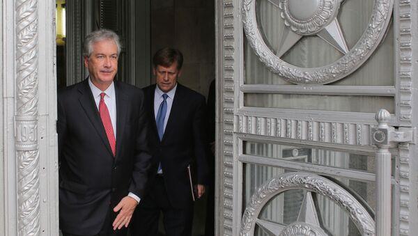 Zamenik državnog sekretara SAD Vilijam Berns i ambasador SAD u Rusiji Majkl Makfol u poseti MIP Rusije - Sputnik Srbija