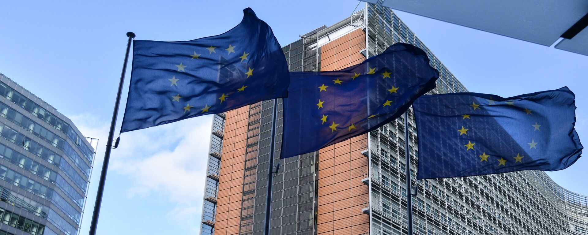 Zastave Evropske unije ispred zgrade Evropskog saveta u Briselu - Sputnik Srbija, 1920, 11.10.2021
