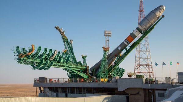 Ракета-носач Сојуз 2.1б са свемирским бродом Арктика-М - Sputnik Србија