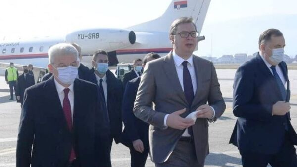 Aleksandar Vučić stiže na aerodrom u Sarajevu - Sputnik Srbija