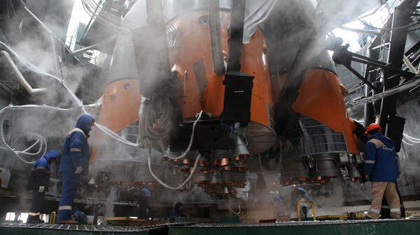 """Припреме за лансирање ракете носача Сојуз-2.1б са свемирском летелицом """"Арктика М"""" са космодрома Бајконур. """"Арктика М"""" је први руски сателит за надгледање климе и животне средине у арктичком региону. - Sputnik Србија"""