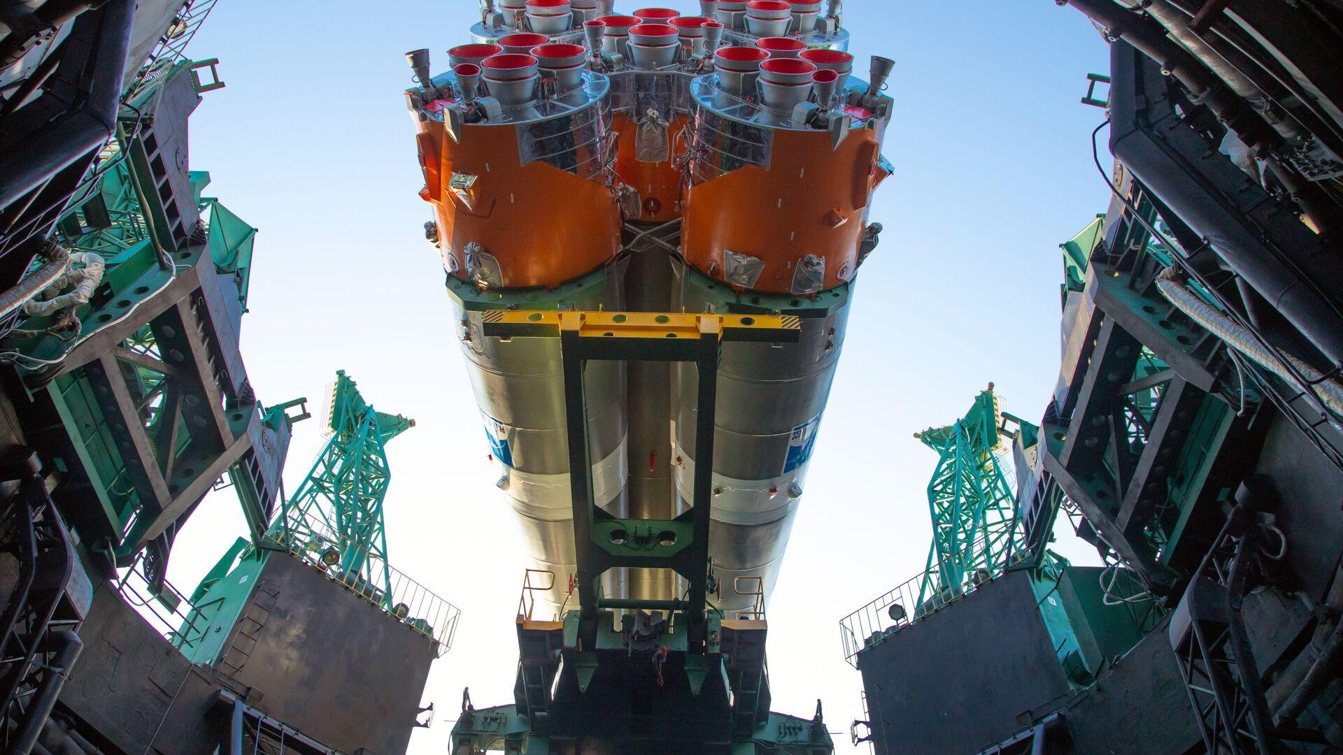 """Постављање лансирног комплекса и припрема за лансирање носача ракете """"Сојуз-2.1б"""" са ракетом """"Фрегата"""" и """"Арктиком М"""" - Sputnik Србија, 1920, 25.03.2021"""