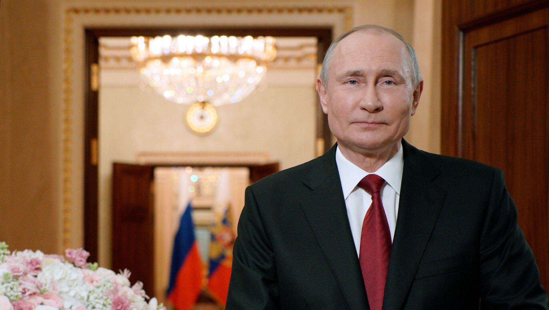 Владимир Путин честитао женама 8. март - Sputnik Србија, 1920, 08.03.2021