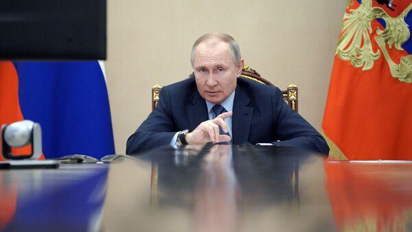 Путин наложио влади: План за развој Арктика да буде готов за месец дана - Sputnik Србија