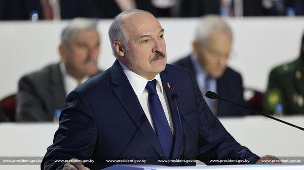 Prezident Belorussii Aleksandr Lukašenko vыstupaet na Šestom Vsebelorusskom narodnom sobranii - Sputnik Srbija