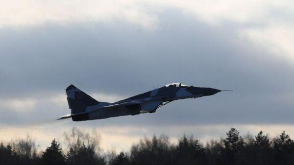 Lovac MiG-35  - Sputnik Srbija
