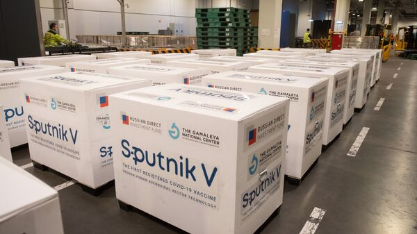 Испорука вакцине против ковида Спутњик Ве - Sputnik Србија