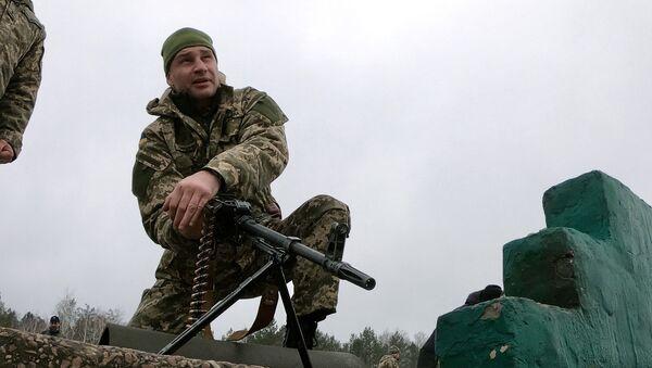 Gradonačelnik Kijeva Vitalij Kličko na vežbama za odbranu prestonice, poligin Desna, Černigovska oblast - Sputnik Srbija