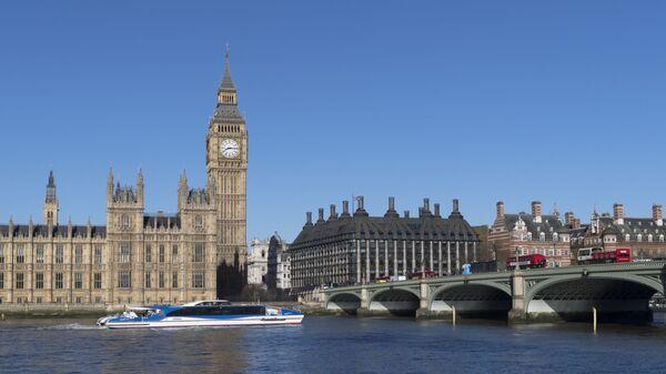 Vestminsterska palata i most u Londonu - Sputnik Srbija
