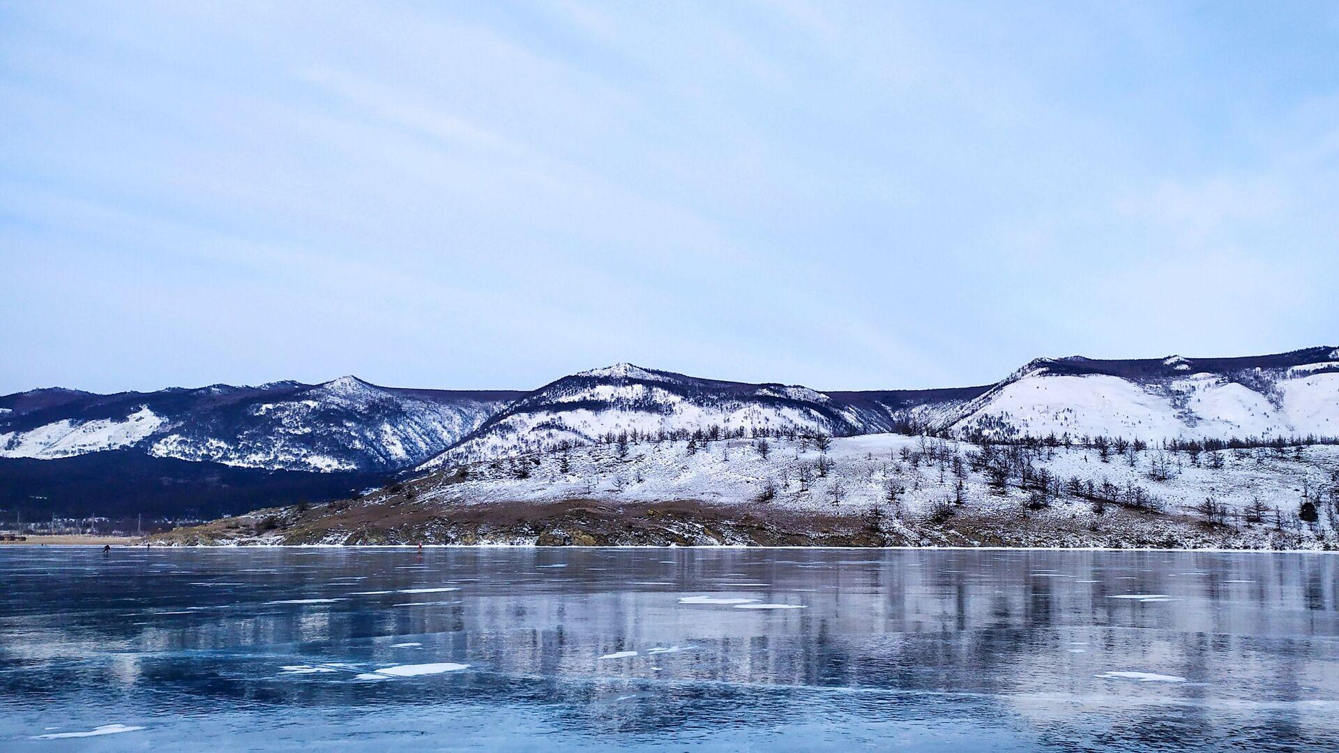 Led na jezeru Bajkal - Sputnik Srbija, 1920, 07.05.2021