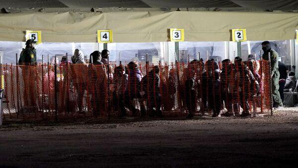 Migranti u SAD na granici sa Meksikom - Sputnik Srbija