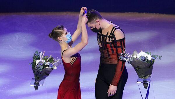 Anastasja Mišina i Aleksandar Galjamov, svetski šampioni u umetničkom klizanju - Sputnik Srbija