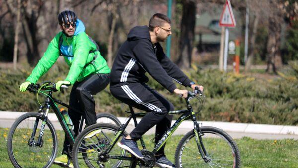 На Ади Циганлији се налази најсавременија бициклистичка стаза дужине 11,2 км која води око Савског језера. - Sputnik Србија