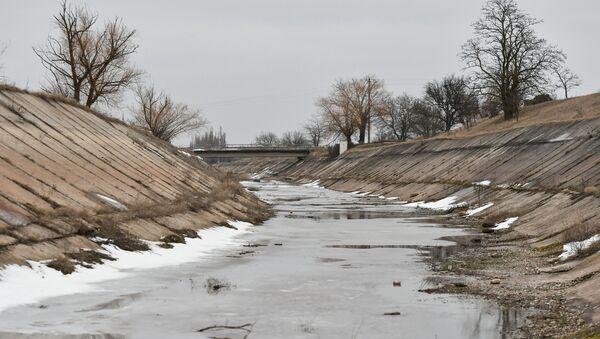 Канал за наводњавање и водоснабдевање изграђен 1961-1971. за снабдевање водом сушних територија Херсонске и Кримске области. - Sputnik Србија