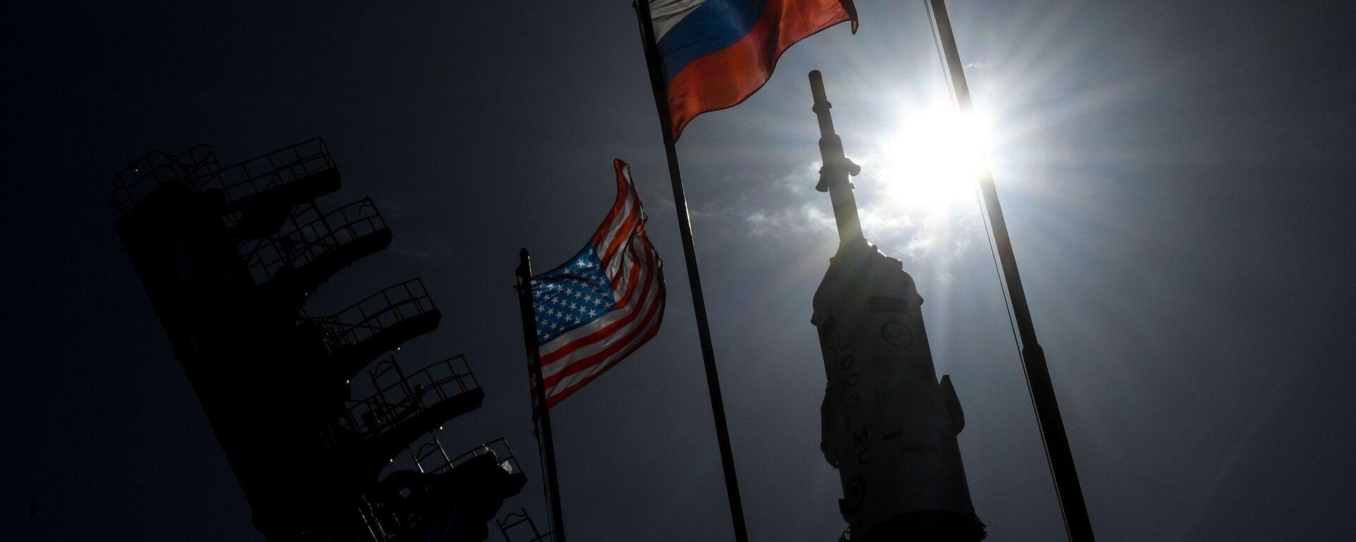 Заставе САД и Русије - Sputnik Србија, 1920, 11.07.2021