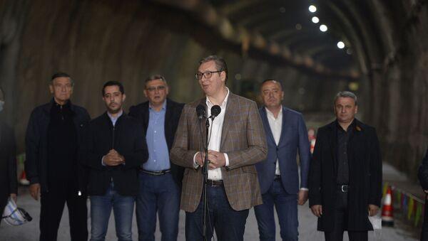 Председник Србије Александар Вучић обишао је данас радове на ауто-путу Е-763 Милош Велики - Sputnik Србија