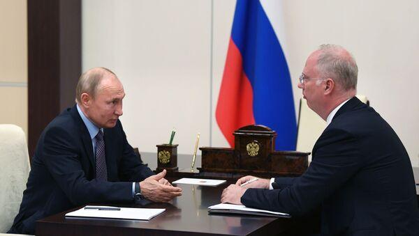 Putin: Ruska vakcina efikasna protiv svih do sad poznatih mutacija virusa korona - Sputnik Srbija