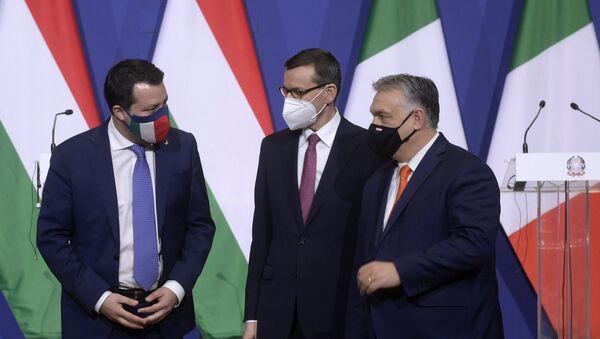 Матео Салвини, Матеуш Моравијецки и Виктор Орбан - Sputnik Србија