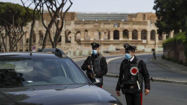 Рим током карантина у Италији у време ускршњих празника - Sputnik Србија