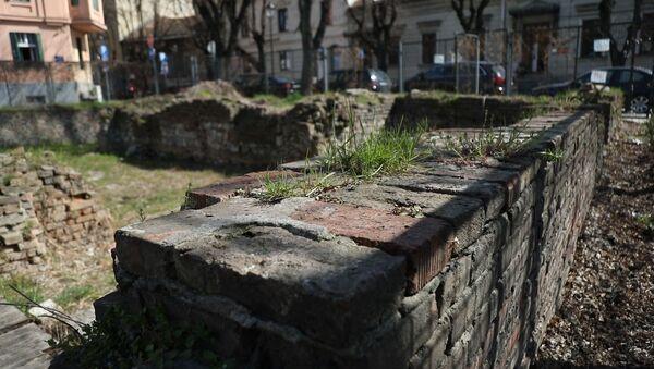 Zgrada biblioteke na Kosančićevom vencu pogođena je 6. aprila 1941. godine prilikom nemačkog bombardovanja Beograda i veliki deo knjižnog fonda je tada uništen - Sputnik Srbija