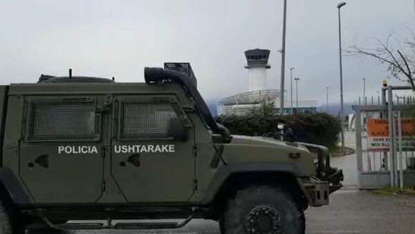 Албанија послала војску и полицију на аеродром у Тирани да спрече штрајк контролора лета - Sputnik Србија