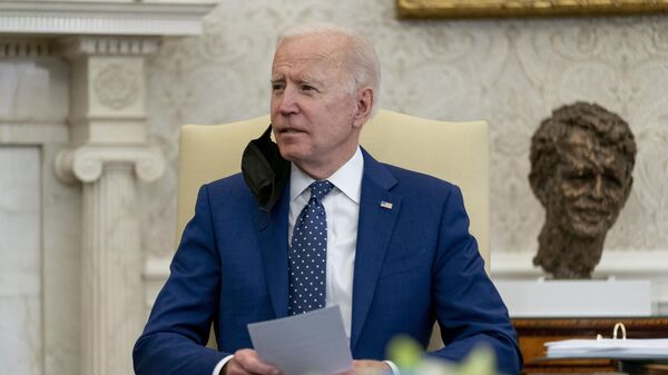 Амерички председник Џо Бајден у Белој кући - Sputnik Србија