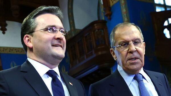 Министри спољних послова Србије и Русије Никола Селаковић и Сергеј Лавров - Sputnik Србија